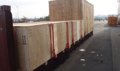 cargo-loaded-on-40ft-flatrack